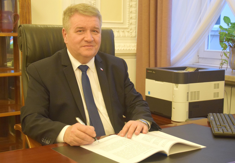 na zdjęciu I wicewojewoda mazowiecki, pan Sylwester Dąbrowski